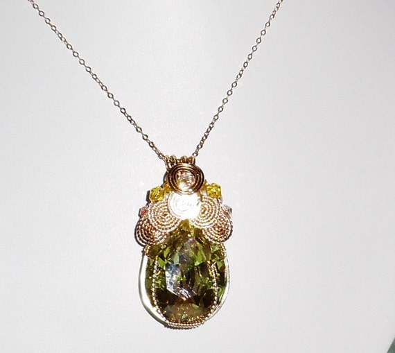 CLEARANCE, 92 ct AAA CZ Pear Apple Green Peridot stone, 14kt yellow gold Pendant, freshwater Pearls, gold chain