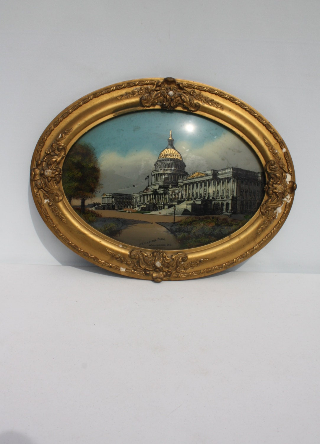 Vintage Oval Frame Convex Bubble Glass Gesso Gold Ornate