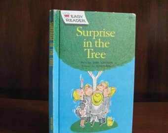 """Vintage 60's """"Surprise in the Tree"""" Easy Reader Wonder Book - 1962 - Children's Book - Illustrated Book - Story Book - Learning to Read"""