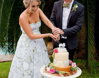Hippo wedding cake topper, bride and groom