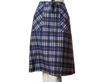 Vintage plaid wrap skirt -- 1950s skirt -- 60s a-line skirt tie waist -- midcentury plaid skirt -- size small or xs