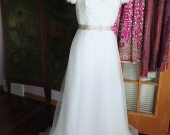 Fairy Light Tulle wedding dress tulle beaded embroidered sleeves sz 10 rhinestones