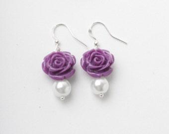 Bridesmaid earrings, Purple rose earrings, purple wedding jewelry, pearls earrings, Made in Canada, garden wedding, bridesmaid gift