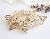 Gold Bridal Hair Comb, Swarovski Pearl Wedding Hair Comb, Crystal Leaf Bridal Headpiece, Wedding Hairpiece, CZ Bridal Hair Clip, AUGUSTINA