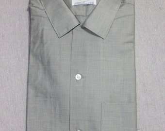 vintage 50's - 60's -Arrow 'Decton'- Men's short sleeve - button loop collar shirt. 'New Old Stock'. Sage Green batiste. Large