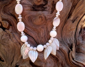 White Shell Necklae