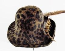 Vintage OSCAR DE La RENTA Cloche Wide Brim Leopard Print Hat Wool Very GLamorous