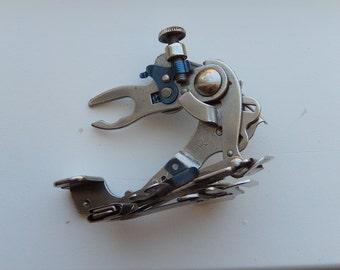 Ruffler sewing machine attachment-Greist 5 stitch ruffler foot-vintage sewing machine part-singer part