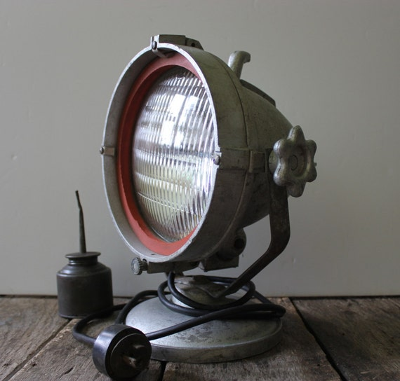 Vintage Industrial Spot Light / Industrial Spot Light