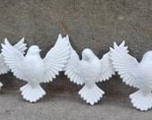 White Vintage Bird Wall Hanging Set