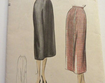 Vintage Vogue Sewing Pattern, 50s Slim Skirt, Unprinted Pattern, Waist 26, Hip 35, Easy Pattern, Vintage Skirts, Vogue 8057, Mid Century
