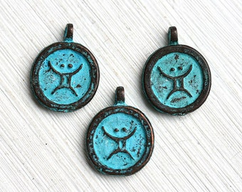 Taurus zodiac sign, Taurus charm, Patina on copper, Horoscope, Astrology, Zodiac sign, Greek beads, 15mm, Lead Free - 3pc - F252