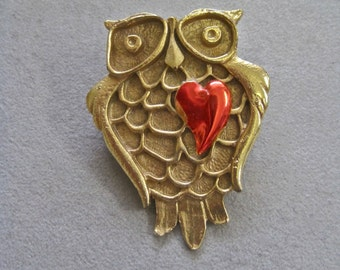 Owl Brooch Vintage Gold Tone Modernist Owl with Shiny Red Enamel Heart 70s Mod Woodland Figural