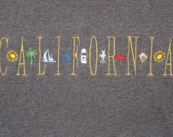 Vintage California Embroidered T-shirt -Kitsch Souvenir Retro Tshirt - grunge - Boat Fish leaf palm tree sun Camera Embroidery - Slate grey