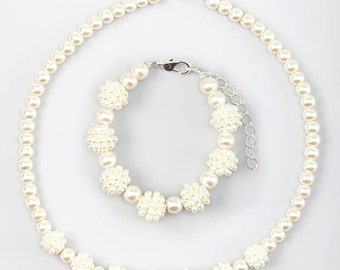 Chunky Beads Bracelet and or Matching Necklace Cream pearls, Bridesmaid, Flower Girl ( GSTN/B3-C)