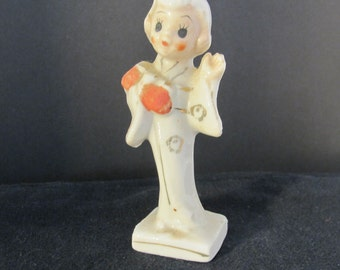 SALE-Vintage 50's small Japanese girl figurine