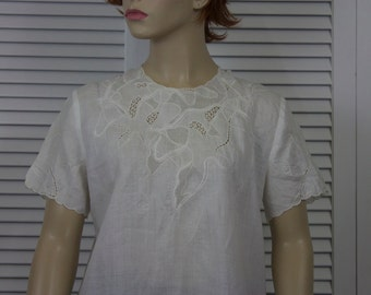 Vintage White Linen Blouse Hand Embroidered 1960s Size 10
