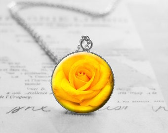 Flower Necklace, Yellow Rose Necklace, Floral Necklace, Best Friend Gift, Flower Jewelry, Gifts For Mom, Pendant Necklace, N577