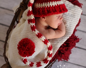 Baby Christmas Hat,Newborn baby hat,crochet baby hat,newborn photo prop,red and white striped baby hat