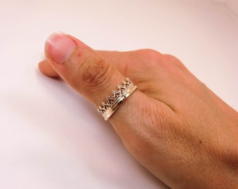 14 Karat Gold Crown Ring - Improved 14K Crown Ring - 14K Queen of Hearts Crown Ring - Gold Tiara Ring - Gold Crown