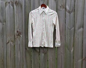 S Small Vintage 70s Hooper Associates LTD White Floral Button Up Pointed Collar Groovy Hippie Indie Hipster Long Sleeve Shirt Blouse