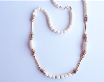 ivory and gold tone beads necklace/ vintage 90s accessories