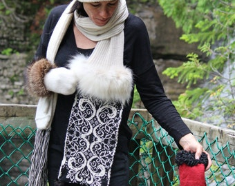Alpaca scarf with recycled fur
