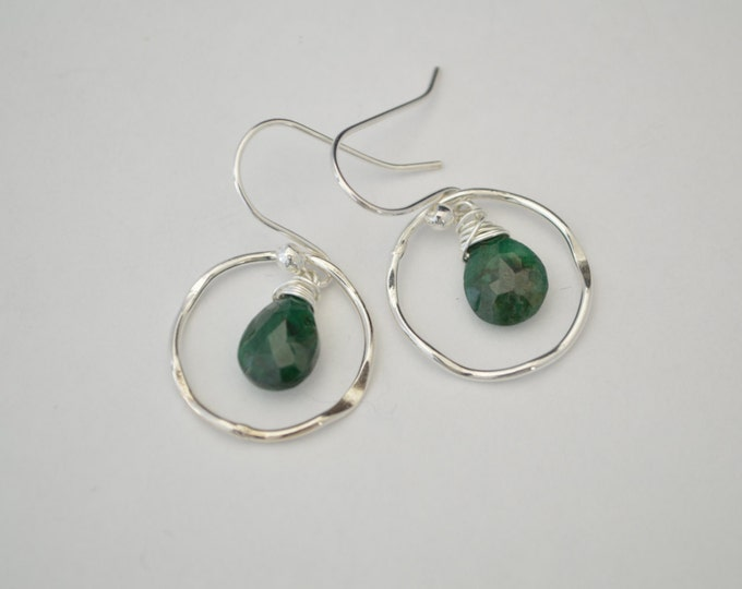 Emerald earrings, Green stone earrings, Birthstone earrings, May birthstone earrings, May birthstone jewerly, Bridesmaid earrings