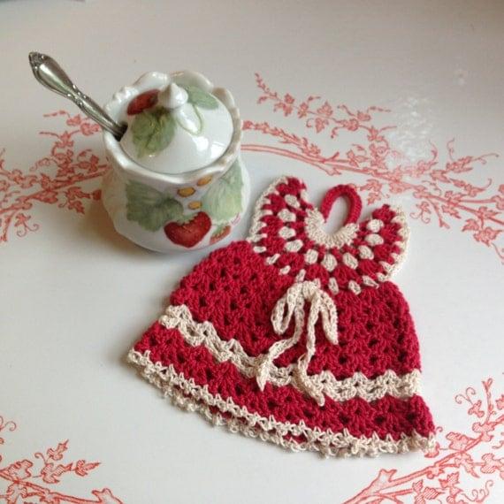 Crochet Pattern For A Doll : Little Dress Crocheted Potholder Vintage Pattern Crocheted