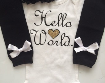 Newborn Baby Girl outfit -Coming home outfit - Take Home outfit - Newborn baby girl clothes - newborn girl- Hello World- Preemie outfit-