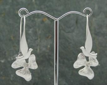 Dove with single flower drop earrings, brides earrings, wedding jewellery, sweetheart earrings