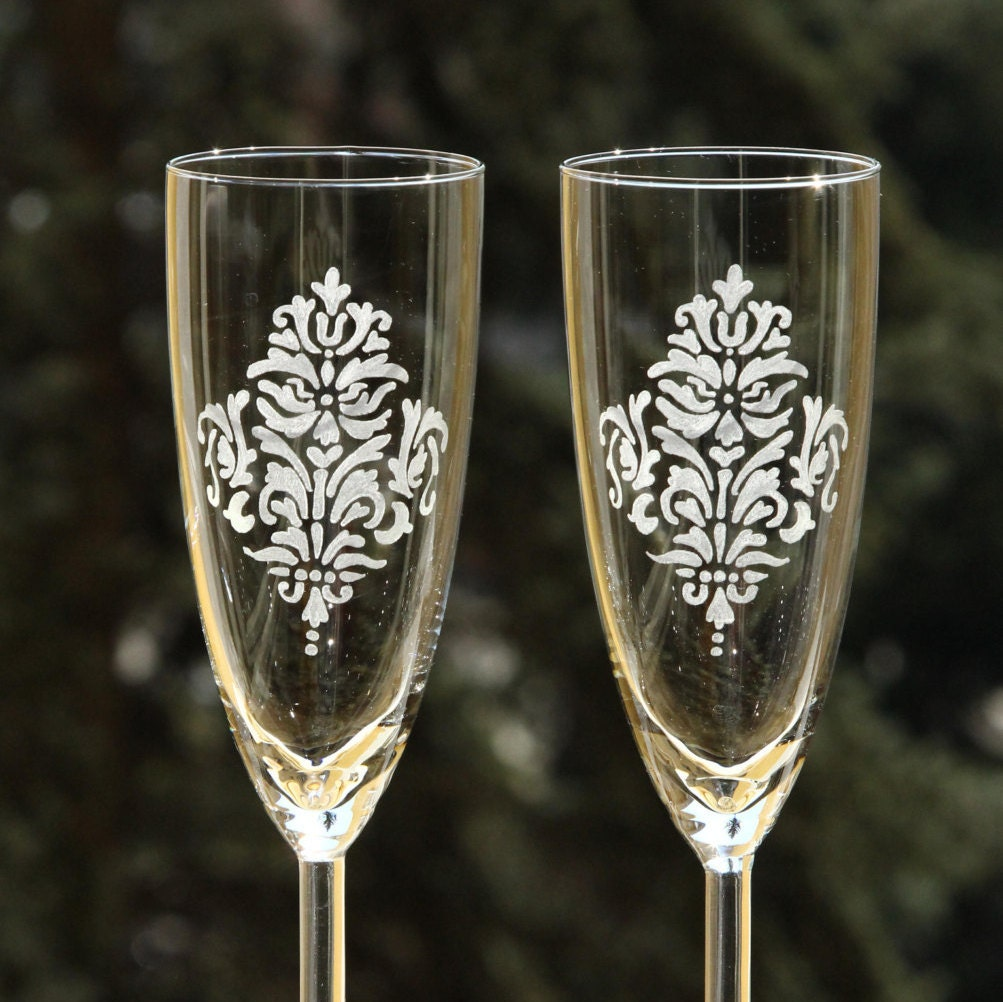 2 Engraved Wedding Glasses Champagne Wine Toasting Flutes