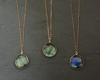 Labradorite Necklace // Labradorite Gold // Labradorite // Labradorite Flash // Labradorite Jewelry // Labradorite bezel