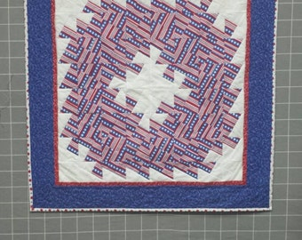 Memorial Day 4th of July Veteran's Day Patriotic Wreath Wall Hanging - Red White and Blue Wall Hanging - Quilt Wreath