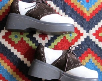 Vintage 1990's Steve Madden Brown Suede and White Leather Round Toe Platform Saddle Shoes Size 5