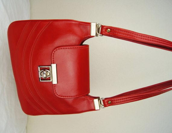 Vintage 1970s 1980s Lipstick Red Vinyl Purse Handbag