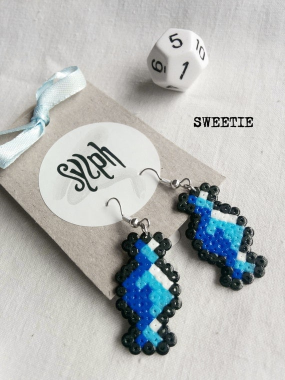 Shades of blue 8bit Sweetie pixelart earrings with a retro vibe made of Hama Mini Perler Beads, perfect for candy fans!