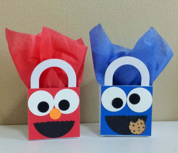 Baby shower cookie favor boxes : Cookie monster and elmo favor boxes by cutepartysupplies