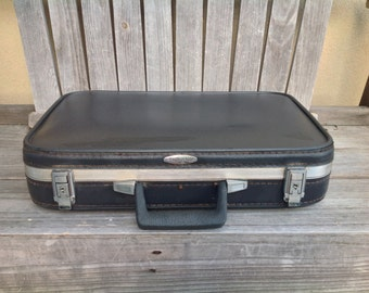 Featherlite Vintage suitcase blue & divided into 2 sections with latch closures-- made is USA by Sears, Roebuck- Retro