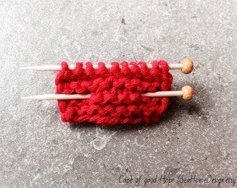 Knitting brooch pin with miniature knitting needles shabby chic brooch rustic boho boho-chic red
