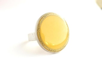 "Noble ring from vintage button ""Sunshine"""