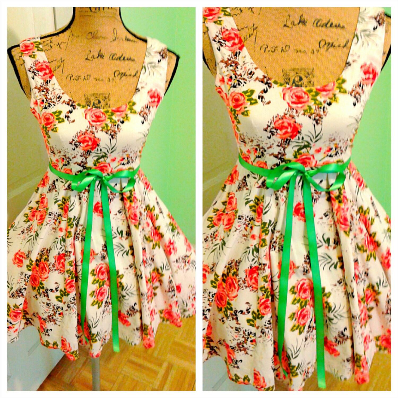 Lovely Garden Party Dress/ English Rose / Tea Party/ Wedding/