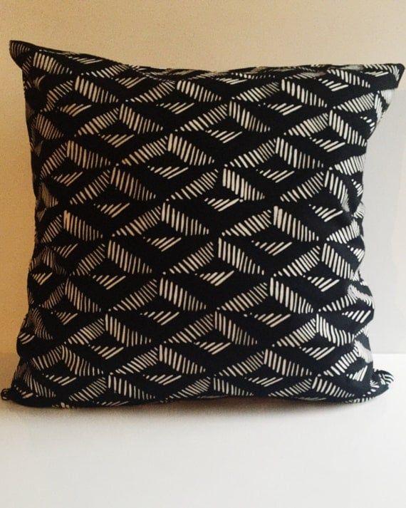 Black and White Geometric Print Pillow Cover