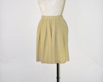 25% OFF 90s ecru silk shorts / vintage baggy shorts / high waist shorts / flowy pleated shorts