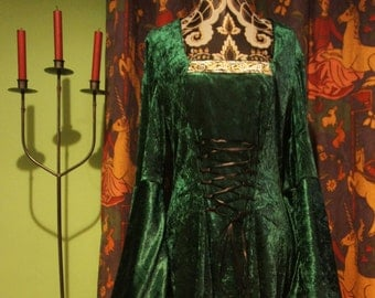 Beth Dress in Green, Gothic, Celtic,  mediaeval, witch gown. Sizes up to UK 16