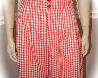 Size 8 Red Gingham High Waisted Pleated shorts (80's)