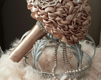 Bridal bouquet Lovely Beige Brooches