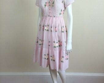 pale pink floral embroidered day shirtdress w/ full skirt 60's