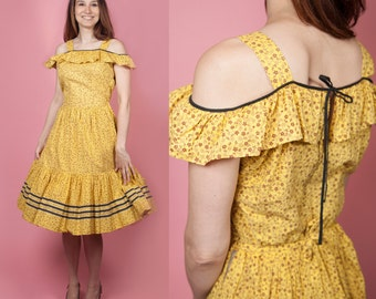 1950's Waynemaid Off The Shoulder Ruffled Neck Line Cotton Floral Sun Dress