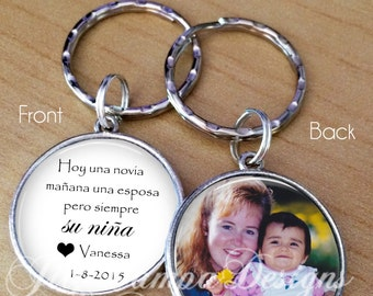Hoy una Novia, Today a Bride, Spanish keychain for Father or Mother of the Bride, photo and saying in Spanish